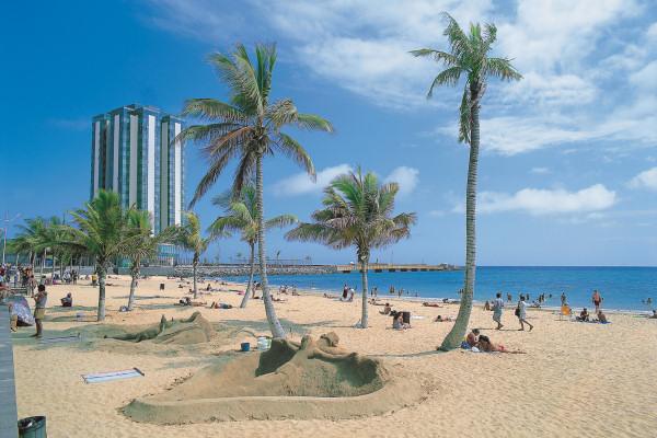 Arrecife Lanzarote: 6 Noites em Hotel 4*+Voos saindo de Londres+Cafe da Manha+Traslado: £349 por adulto.