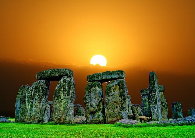 stonehenge-741482_640