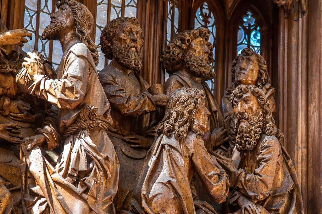 Esculturas na Igreja de St. Jakob