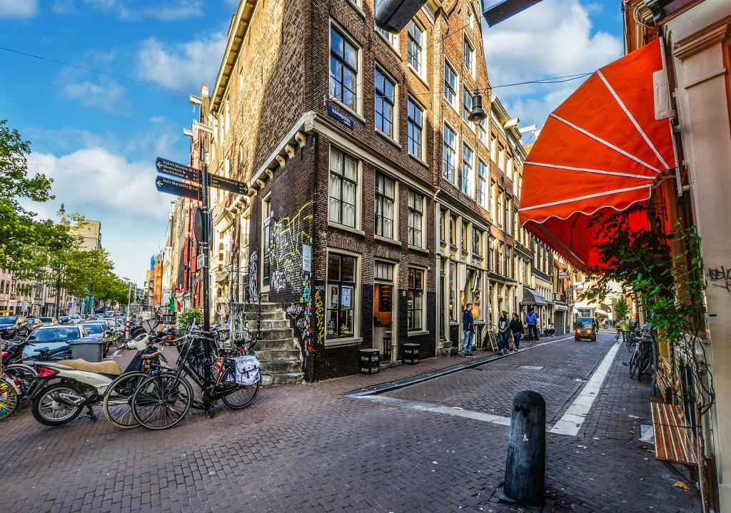 amsterdam-2206814_1920