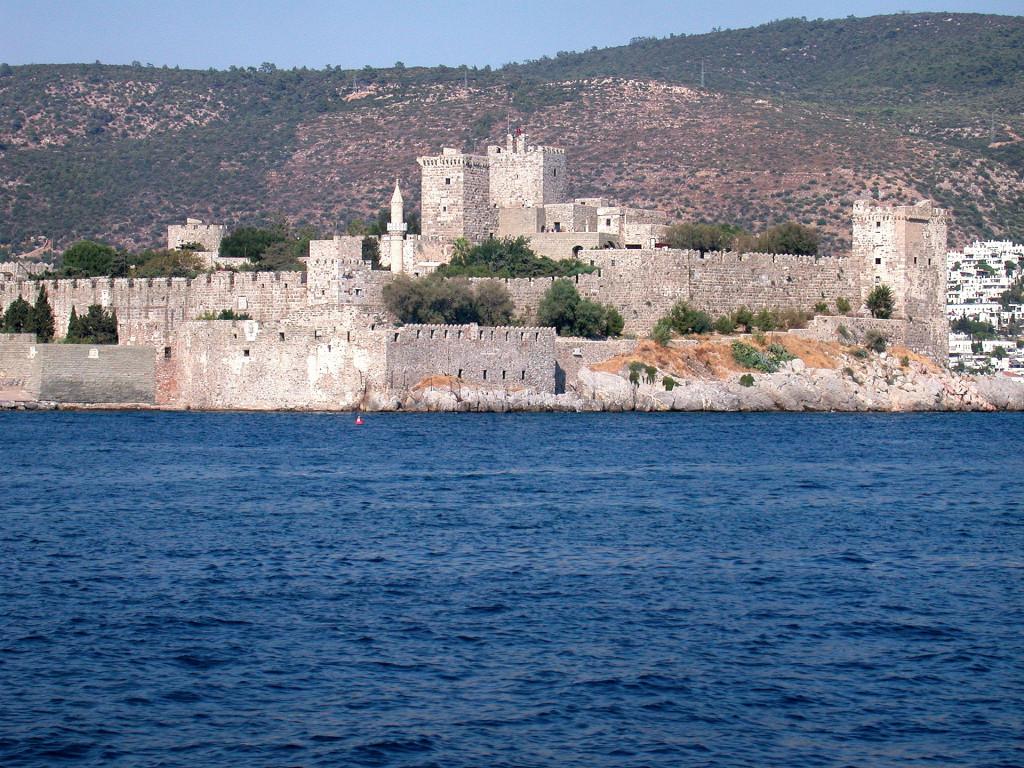 castle-2377570_1920-2